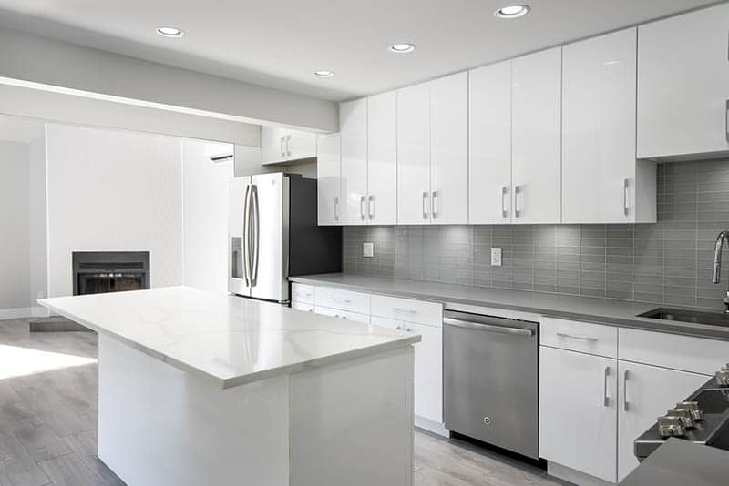Glossy White Kitchen Renovation