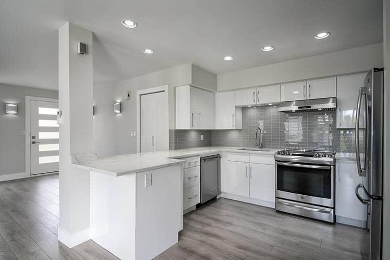 Kitchen Peninsula Remodel